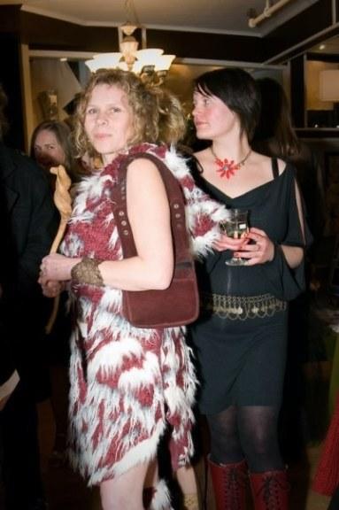 2008-alisha-and-cait